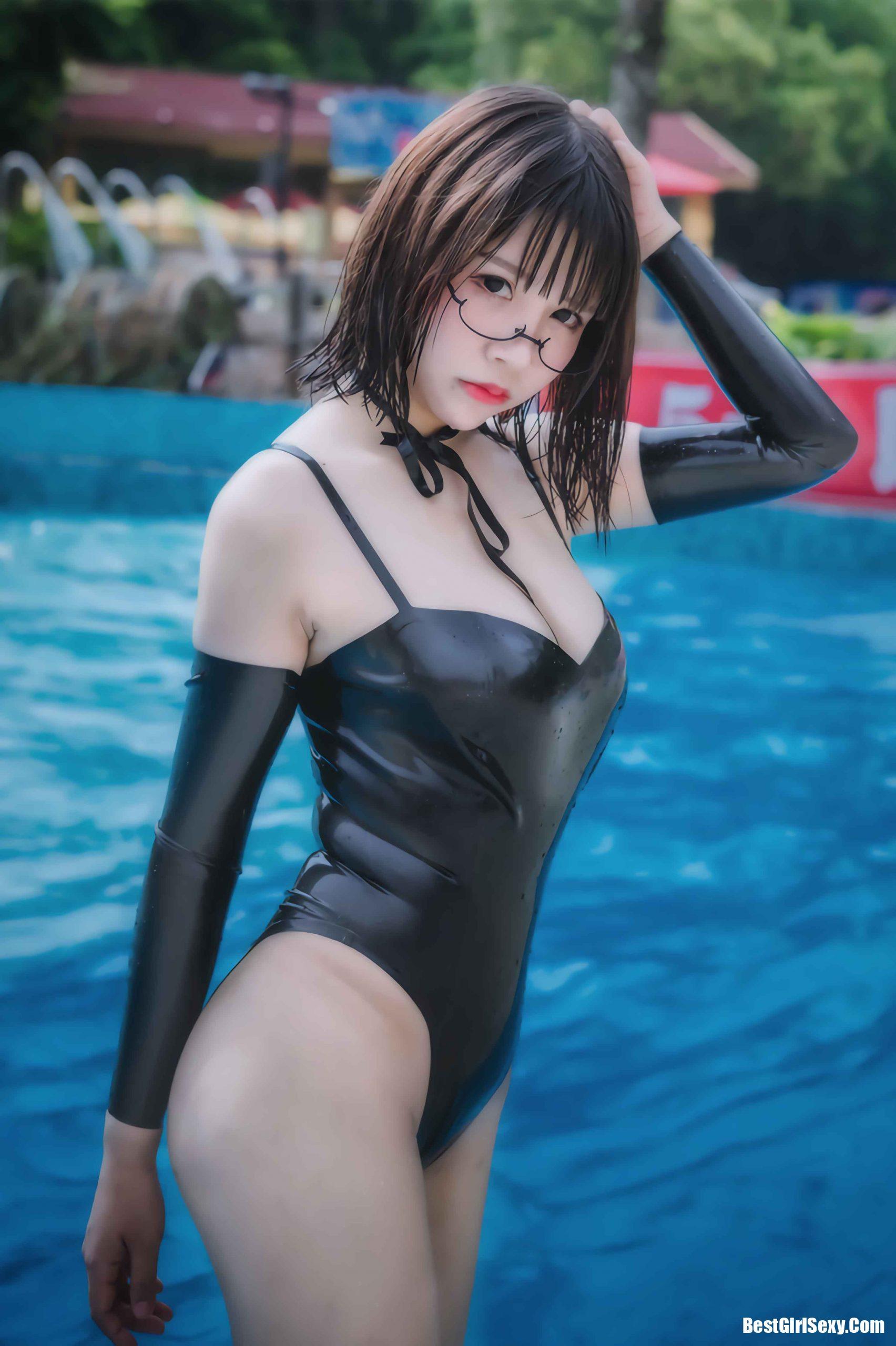 抱走莫子A_NO.001 Firefly Chimelong Water Park Black latex swimsuit