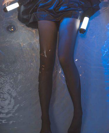 [Coser面饼仙儿] NO.011 The girl in the brain bathtub black silk