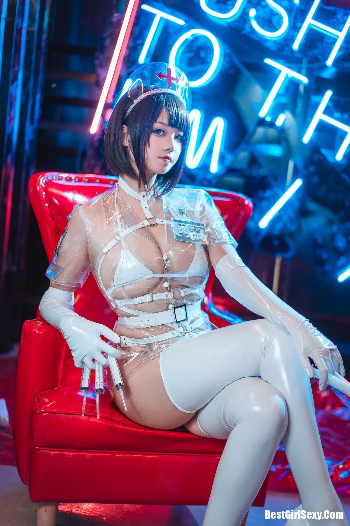 Coser@蜜汁猫裘 Vol.042 白色透明护士